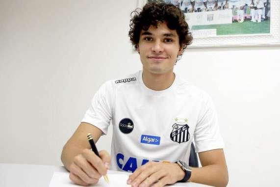 Reunião acerta detalhes e Dodô é o novo reforço do Cruzeiro  ee42a12589b55