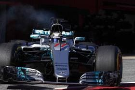 Bottas supera Hamilton e é pole position em GP em Imola