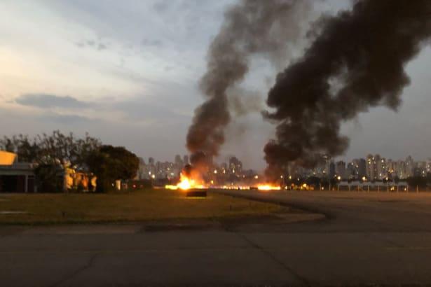 Resultado de imagem para Queda de avião de pequeno porte em SP deixa um morto e seis feridos