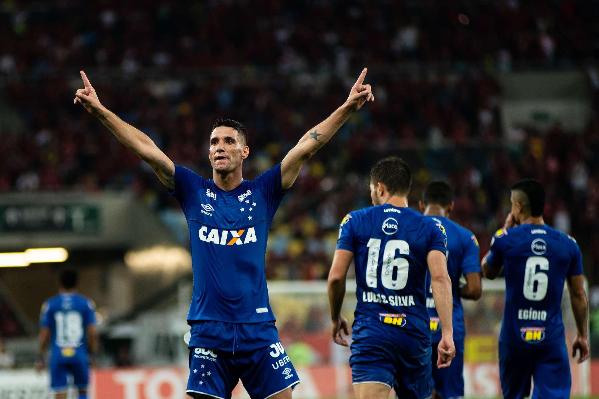 Flamengo ofereceu Diego por Thiago Neves  Corinthians entra no páreo ... c1f91ac2fcf66