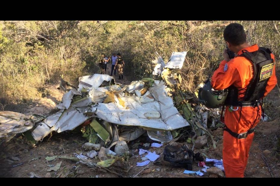 24b4cf7ef Avião cai em Taquaraçu de Minas e mata uma pessoa