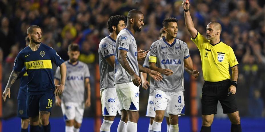 Dedé tem cartão vermelho cancelado pela Conmebol e poderá jogar a volta de Cruzeiro x Boca Juniors