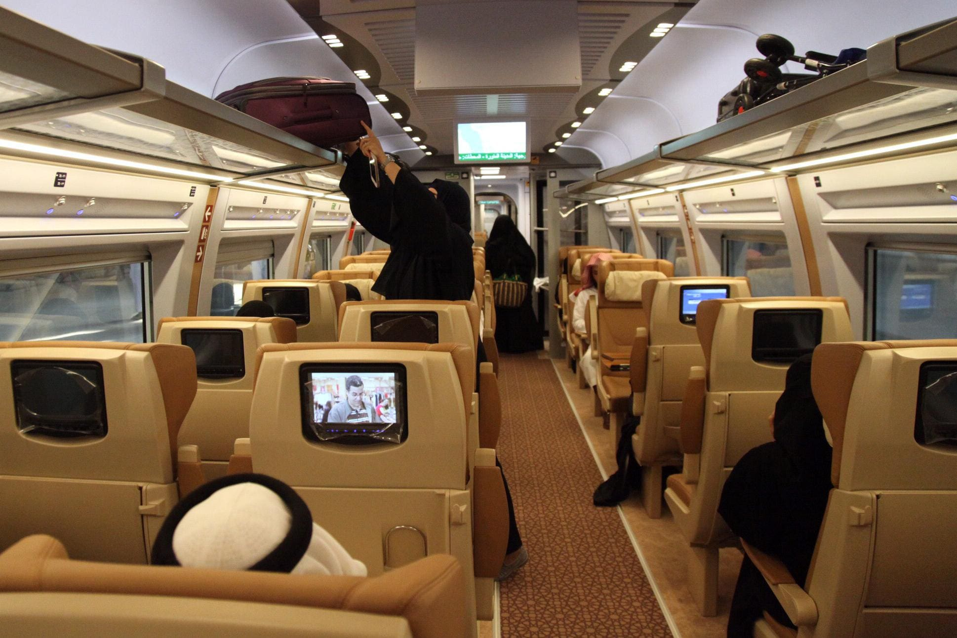 Interior de Haramain o trem de alta velocidade entre Meca e Medina