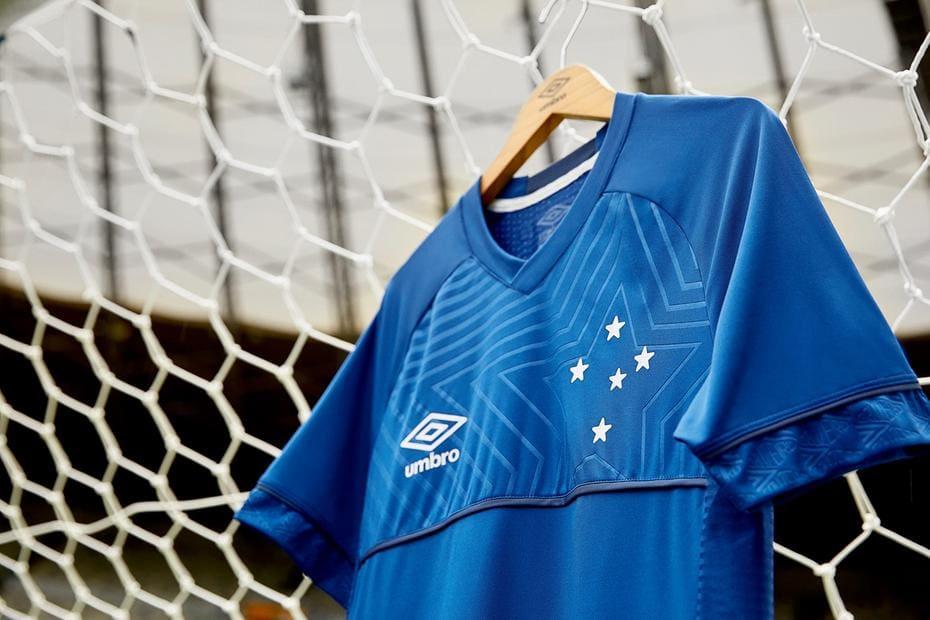 559de4fb8bec8 Umbro prepara lançamento de uniforme número 1 do Cruzeiro para março ...