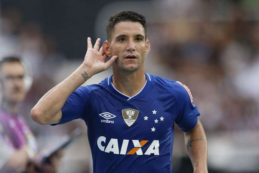774069d7d5 Capturar.JPG. Thiago Neves vai assumir a camisa 10 e pode usá-la já ...