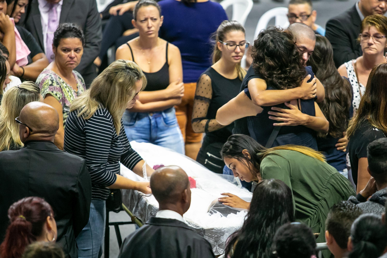 Masacre De Suzano: Corpos De Mortos No Massacre De Escola De Suzano São