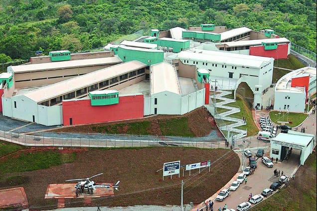 Taxa de ocupação no Presídio Inspetor José Martinho Drumond, em Ribeirão das Neves, é de 347,56%