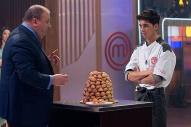 Helton perde terceira chance e é eliminado do 'MasterChef: a Revanche'