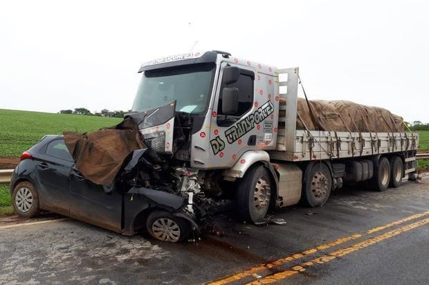 Família morre em acidente na BR-265, entre Lavras e São João del-Rei - O Tempo
