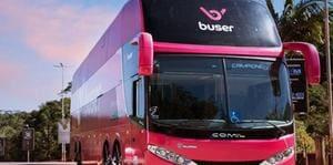 Zema assina decreto que facilita operação de fretados e apps de 'Uber de ônibus'