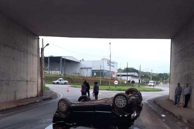 Duas pessoas morrem em acidente na BR-381 em Pouso Alegre nesta sexta - O Tempo