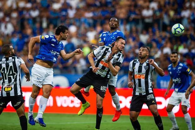 Defesa do Cruzeiro retoma solidez no embalo da frieza de Cacá - O Tempo