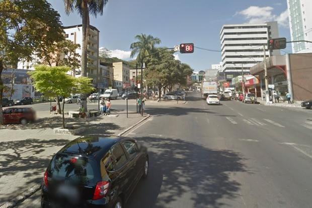 Homem é assassinado com quatro tiros no centro de Conselheiro Lafaiete - O Tempo