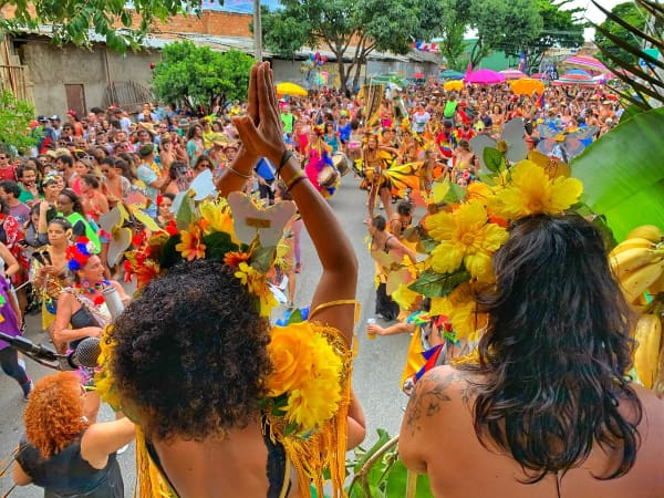 Pré carnaval animado no bloco Como te lhama