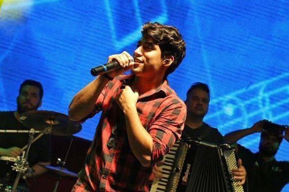 Resultado de imagem para Morre cantor sertanejo Henrique, da dupla com Netto
