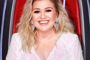 Kelly Clarkson substitui Simon Cowell em reality: 'Mais sábia, legal e bonita'
