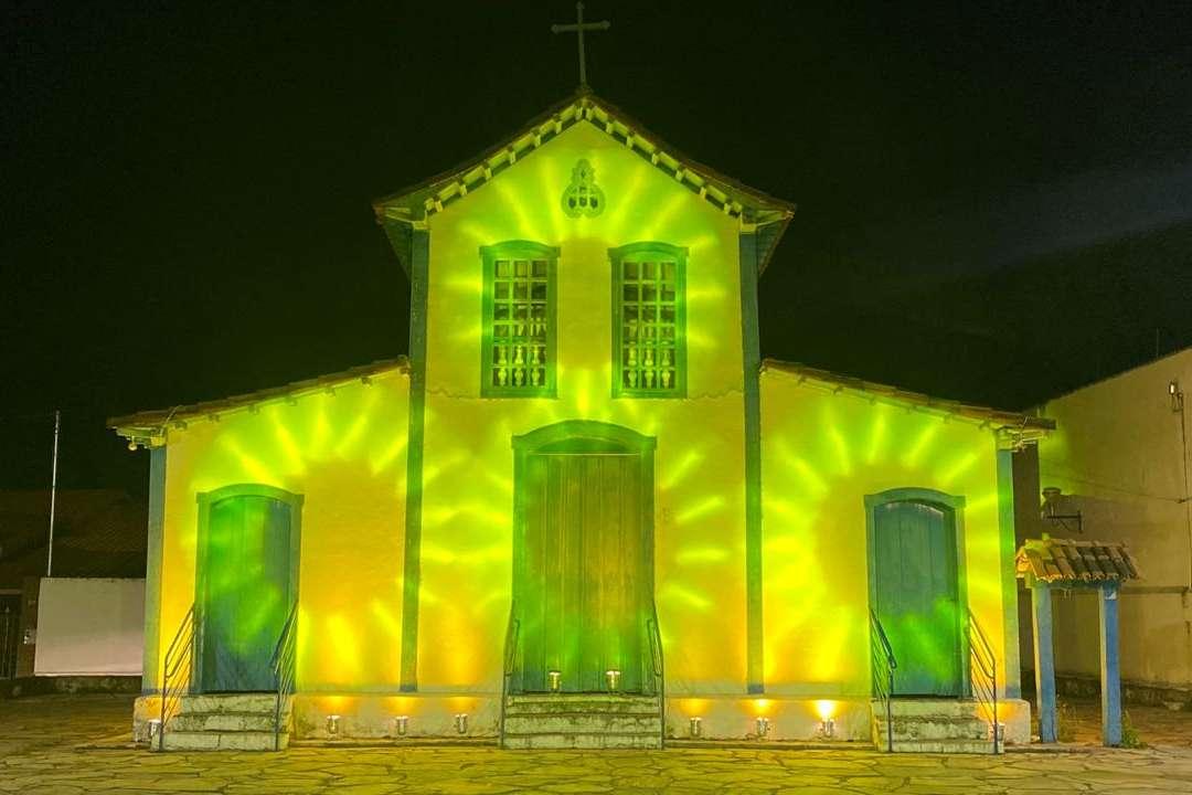 Ação. Igreja do Rosário recebeu, na última quarta (16), uma iluminação especial, com luzes amarelas