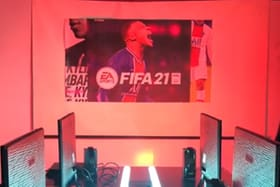 EA Sports cria espaço gamer no morro do Vidigal