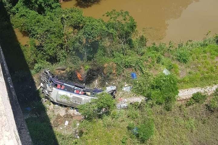 Ônibus cai de viaduto e deixa ao menos 14 mortos na BR-381, em João  Monlevade | SUPER NOTICIA