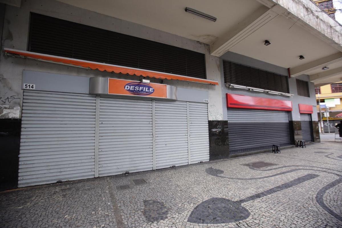 Comércio de BH acata fechamento e raros lojistas descumprem decreto de Kalil