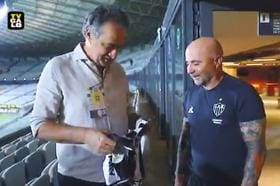 Despedida de Sampaoli: presidente do Galo presenteia o técnico