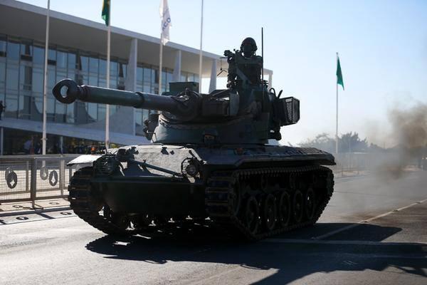 Desfile de tanques