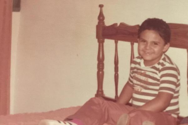 Ibaneis Rocha (MDB), governador do Distrito Federal, em foto quando criança