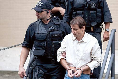 Itália promove campanha a favor de extradição de Battisti