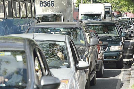 Motoristas com placas final 1 e 2 devem pagar IPVA na próxima segunda