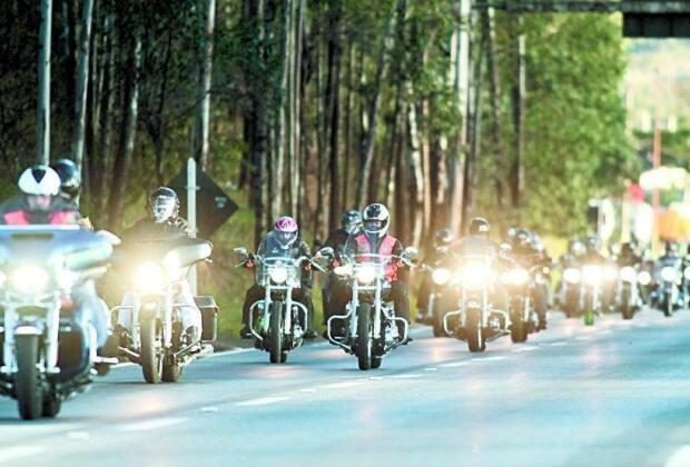 e4c111c9ab2 Tiradentes tem fim de semana agitado por motos e música