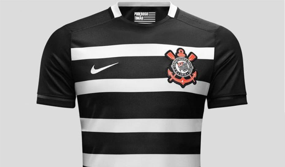 f1aaa87f44e4c Loja do Corinthians vende R  32 mil em camisas do hexa em um dia ...