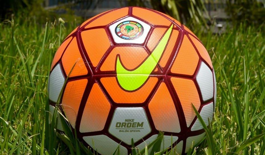 152d034e0f53d Conmebol apresenta a bola da Copa Libertadores de 2016