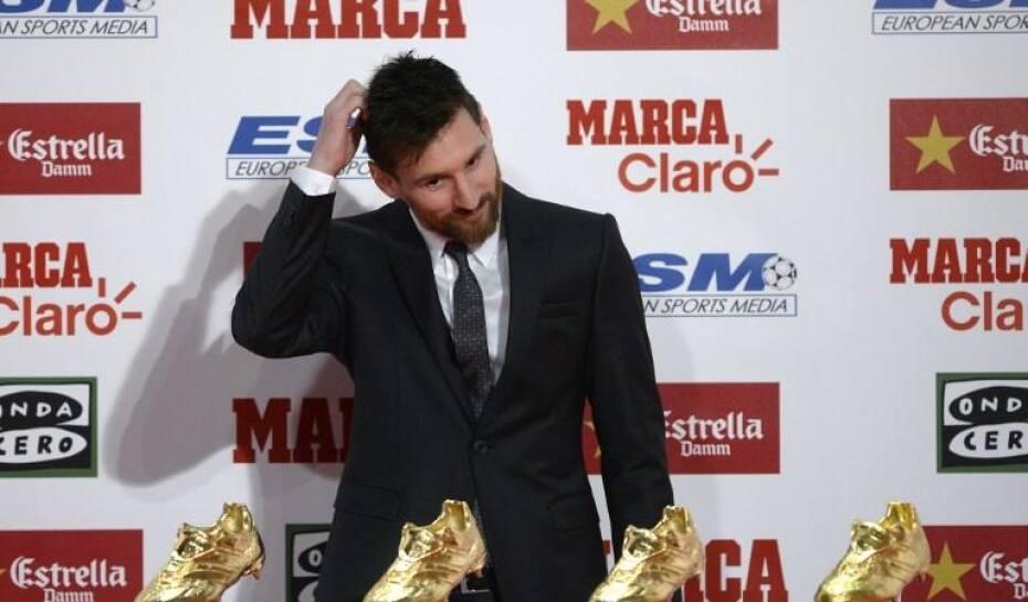 Messi recebe sua 4ª Chuteira de Ouro e divide feito com companheiros ... e486d13201942