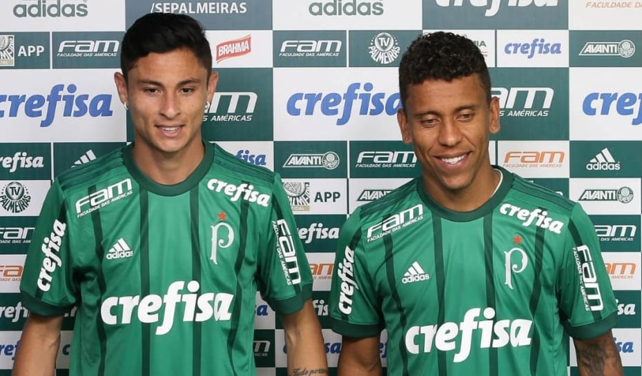 Laterais ex-Cruzeiro e Galo  se provocam  em apresentação no ... c6632117bd3ba