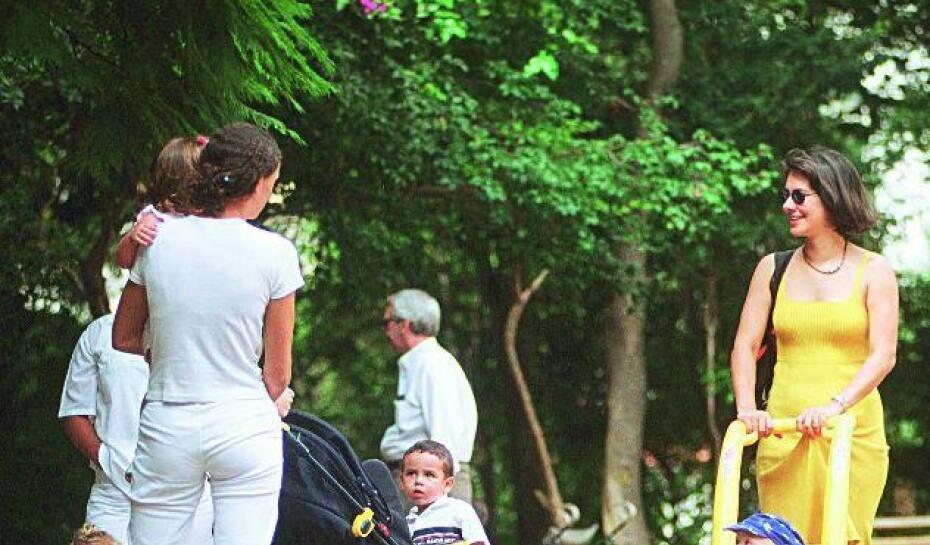 91dfd0a7b6 Exigência de uniforme é vista como uma medida constrangedora por algumas  babás