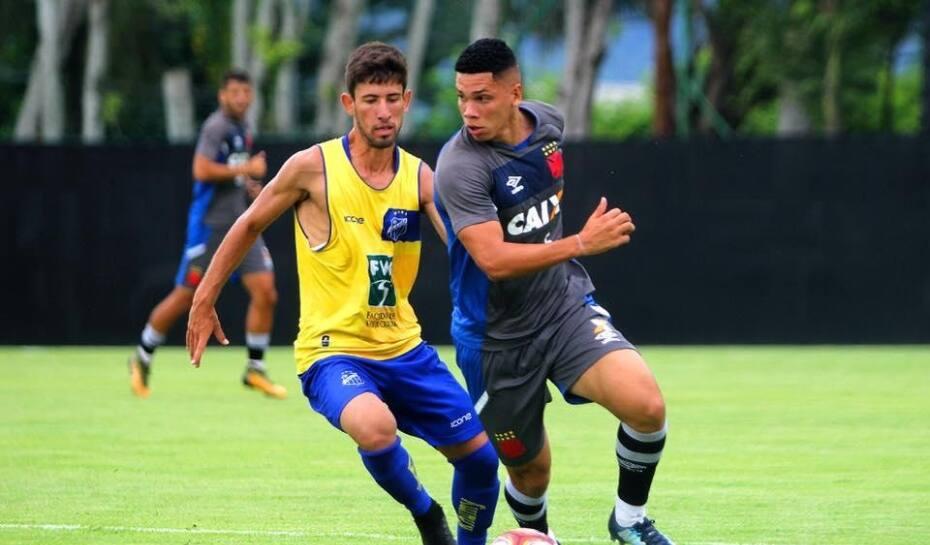 O Vasco venceu o jogo-treino contra o São Mateus (ES) por 4 74f5bd05393c3