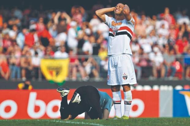 Fred não é o único  relembre outros atletas que sofreram lesões ... 47627b680f00e
