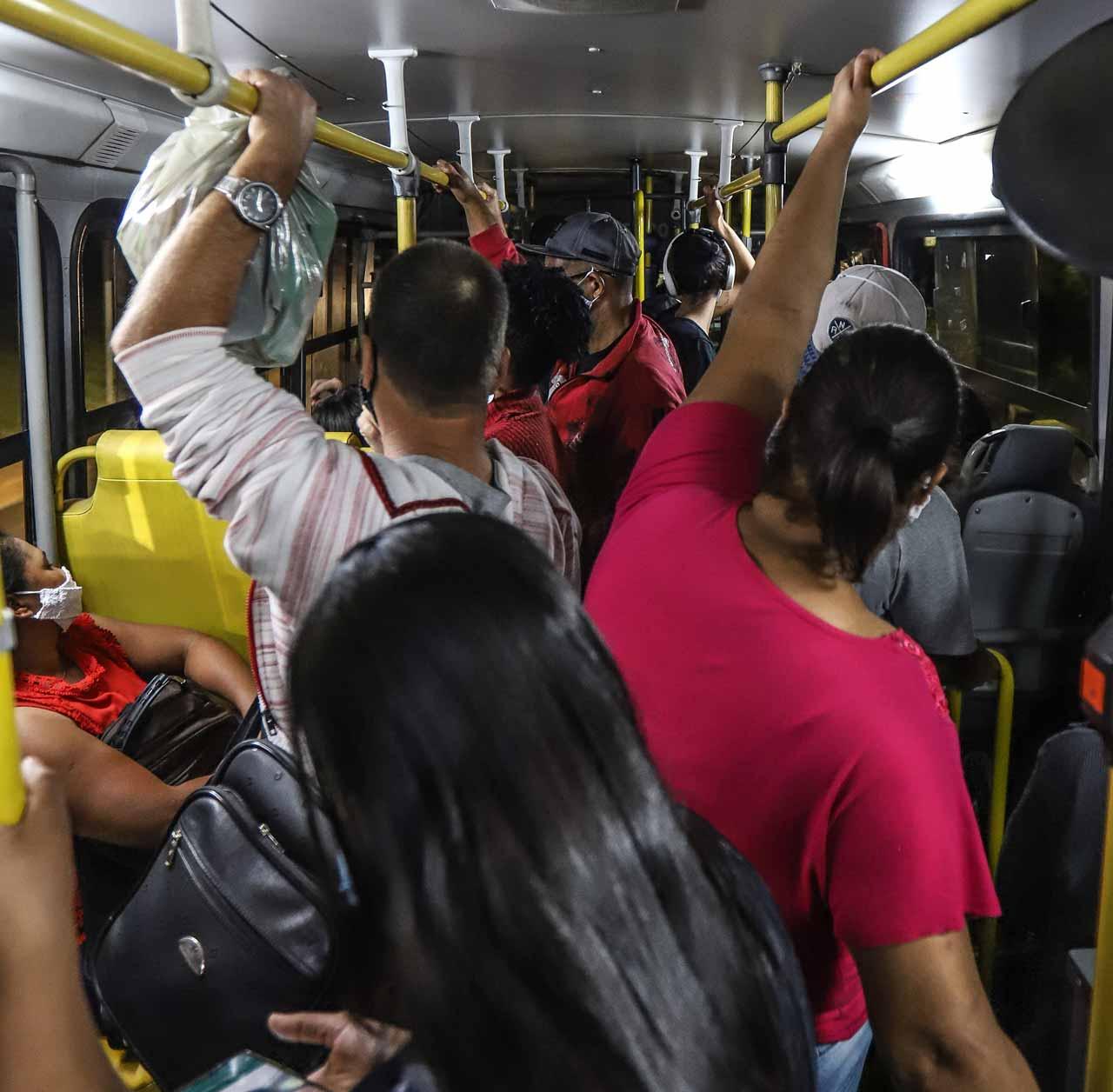 Em 2020, a linha 3787 recebeu 122 reclamações; de janeiro a abril deste ano, já foram 81 - Foto: Flávio Tavares