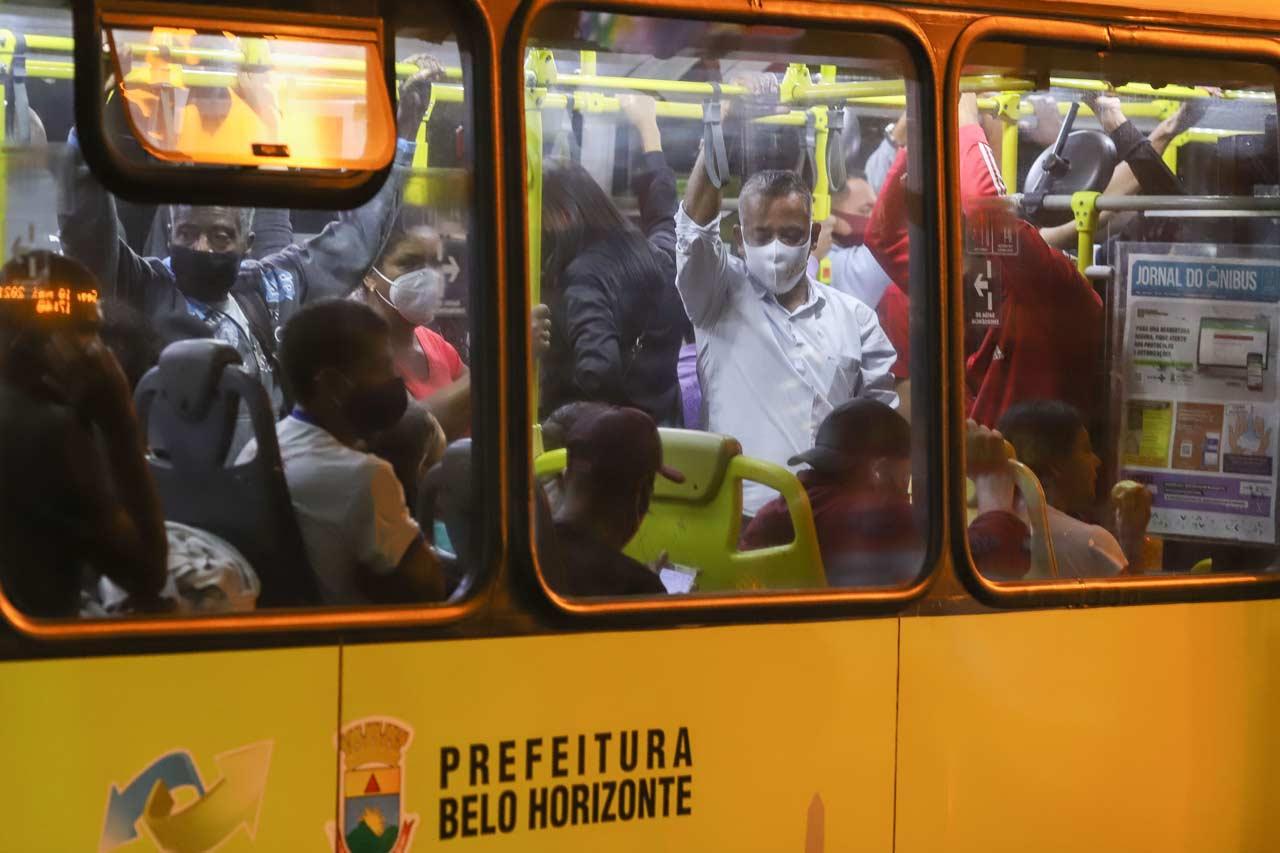 Segundo o Sindicato das Empresas de Transporte de Passageiros Metropolitano, (Sintram),  total de usuários do sistema da Grande BH, 8% são de gratuidade - Foto: Flávio Tavares