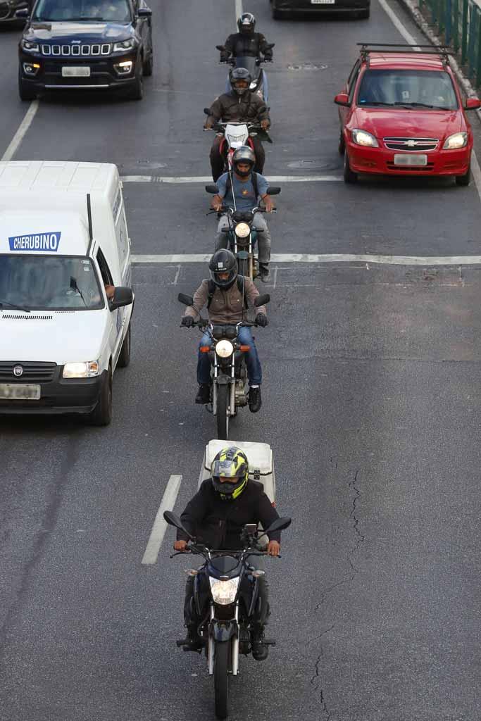 Especialistas em trânsito questionam sistema adotado para concessão de habilitação, mas sabem que mudanças terão uma longa jornada - Foto: Flávio Tavares