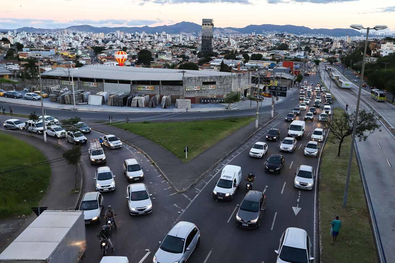 Crítica. Aumento da validade da CNH é visto por diretor da Abramet como negligência à fatalidade do trânsito - Foto: Flávio Tavares