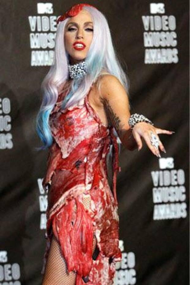 Estilista Diz Que Vestido De Carne De Lady Gaga Será