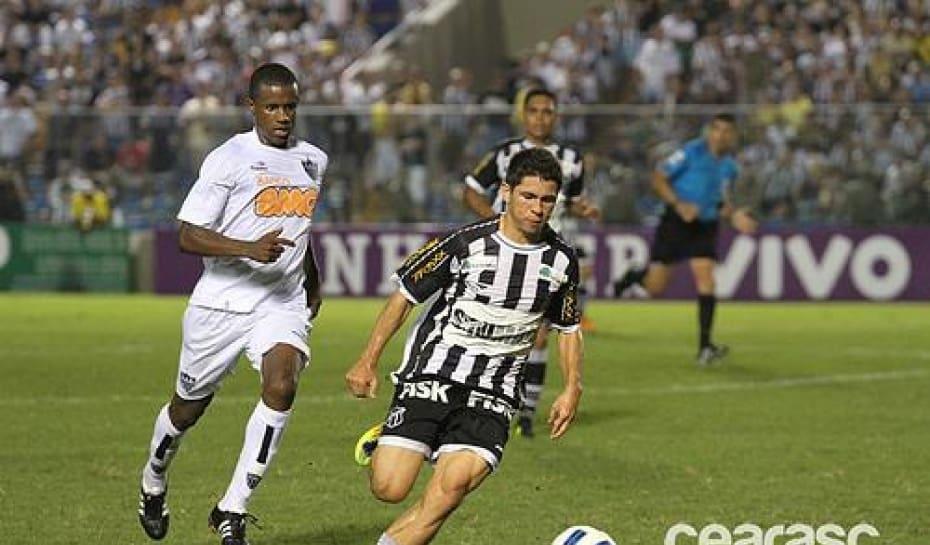 2b70065345 Cruzeiro está confiante em acerto com Walter