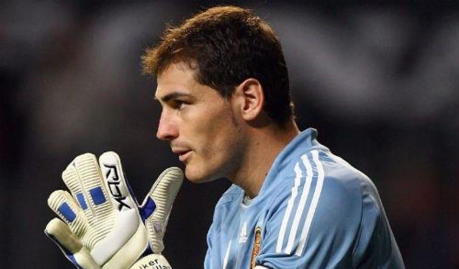Iker Casillas é apontado como o melhor goleiro do mundo  brasileiro ... 7aaee2c1962d4