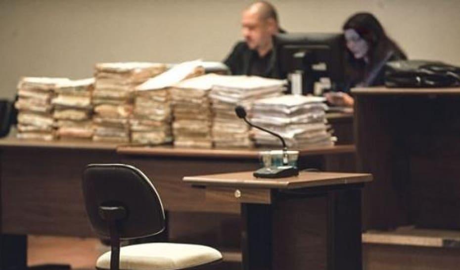 a40f1c20e11ab Devido ao grande número de réus envolvidos, o julgamento do Massacre do  Carandiru será feito