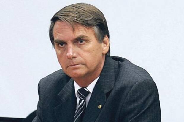 Bolsonaro dispensa chefes de partidos para ocupar ministério, 'os caciques estão irritados'
