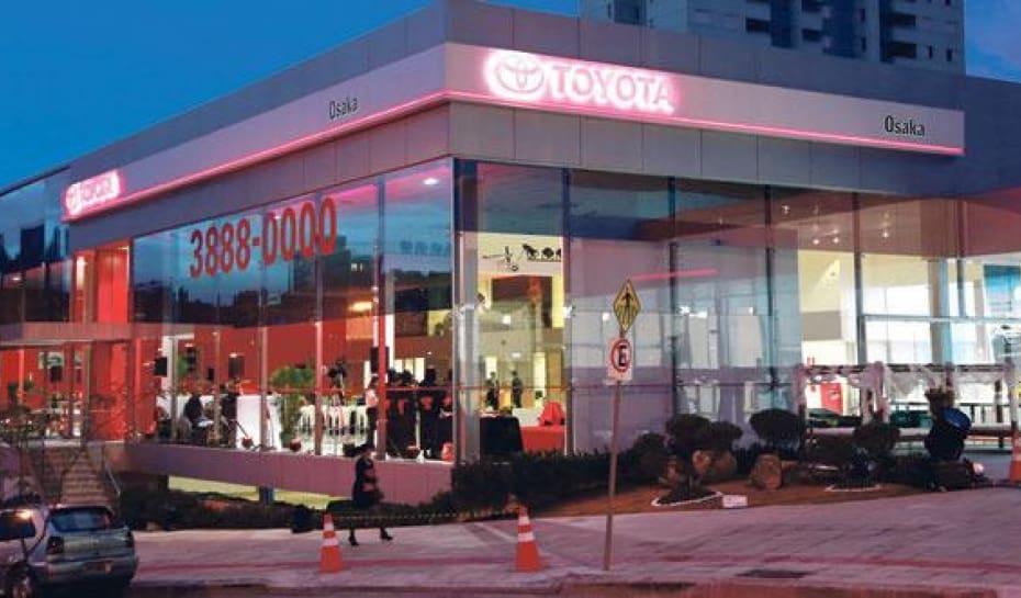 c5632887a Espaço. A nova revenda é a maior da marca japonesa no Brasil em área  construída