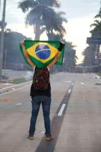 Cidades - Especial Manifestacao contra o aumento das passagens de onibus na capital mineira reune milhares de pessoas em passeata do centro ao mineirao  FOTO: MARIELA GUIMARAES / O TEMPO 17.6.2013