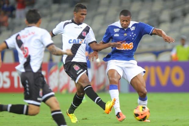 Cruzeiro marca cinco f516fd7a6bd3e