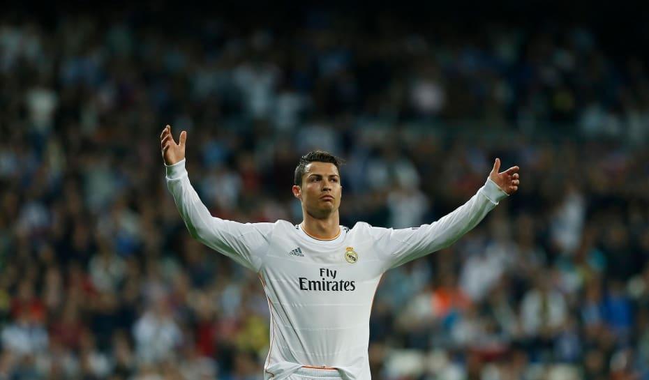 Cristiano Ronaldo ganhará R  15 mil por hora para atuar pela ... 14c46ed12f218